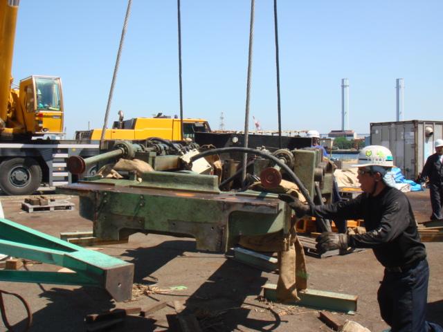 4段圧延機のアッパー・ハウジング (4 HI SC Mill)