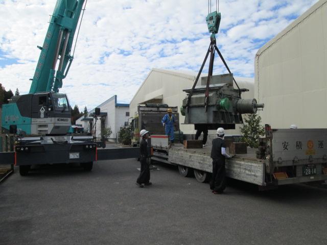 12 ton テンションリール x 2 sets 安全に積み込み中 (4HI CRM)