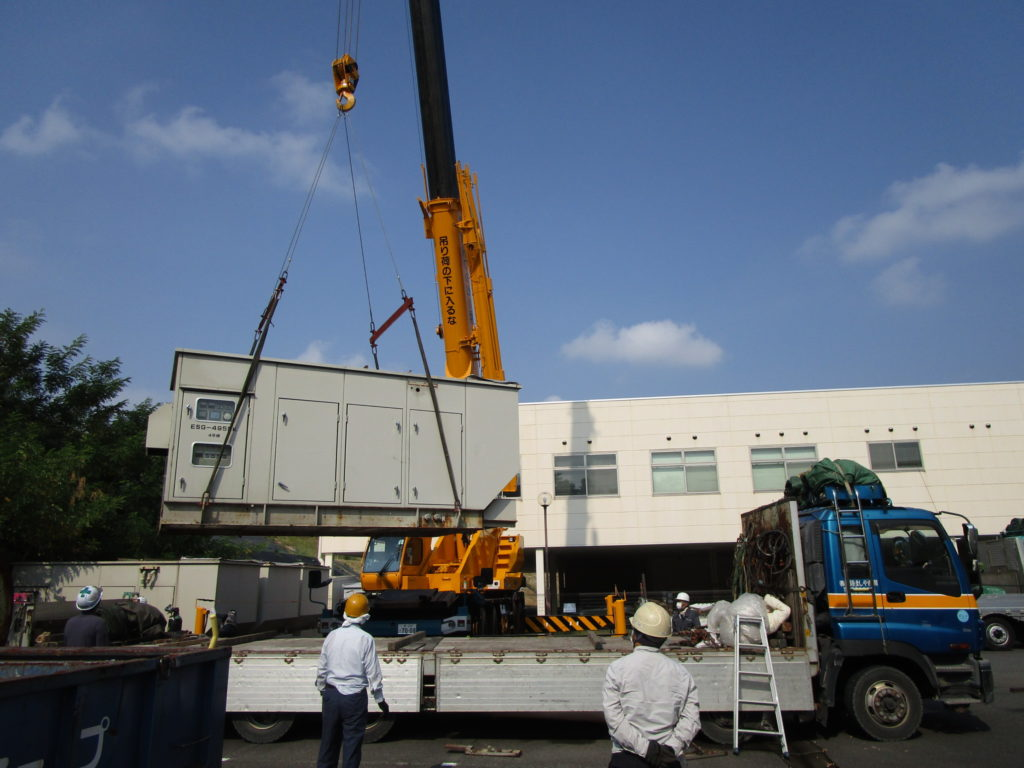 コマツ発電機 ESG-495SK x 4台を撤去&積込中