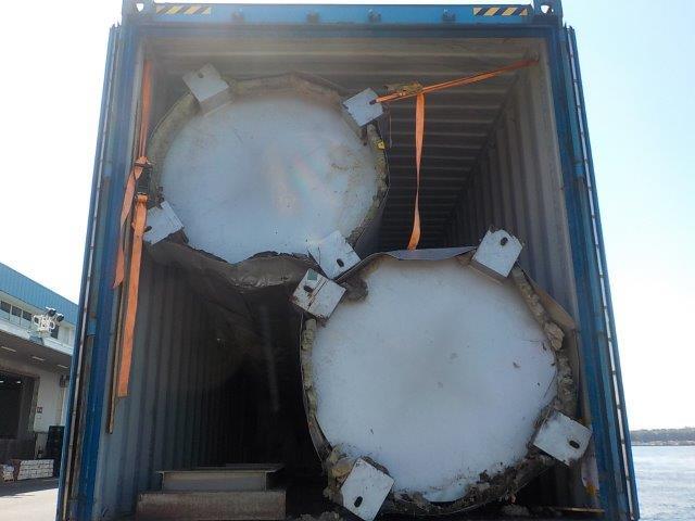円筒形の貨物でも、コンテナの縦方向・横方向ギリギリに積み込み可能