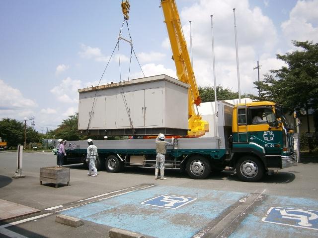 日立製作所製 仮設型 移動電源車 JP400 500 kVA