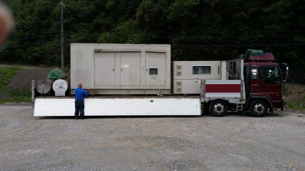 西芝電機製 仮設型 移動電源車 SA6D125 194 kVA