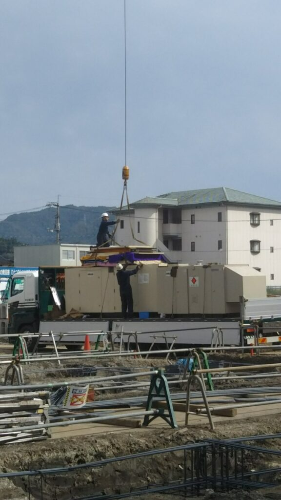 ヤンマー製 仮設型 移動電源車 YAP300 600 kVA (300 kVA x 2 set)